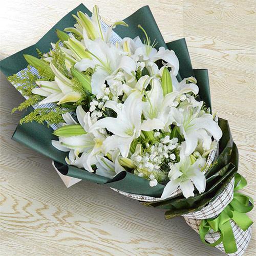 18朵香水百合花束 全国送花服务