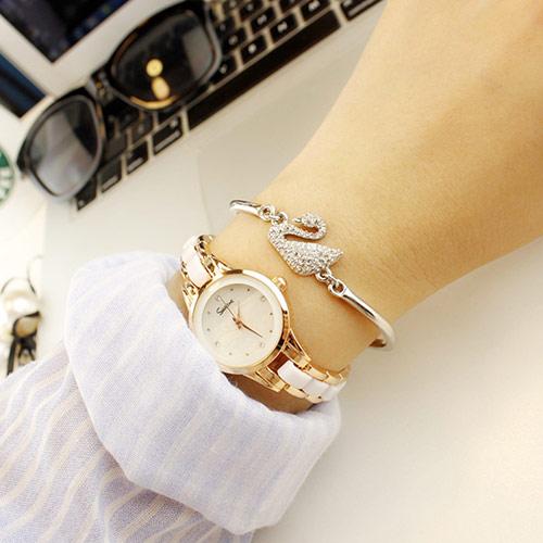 聚利时玫瑰金女士钢带腕表