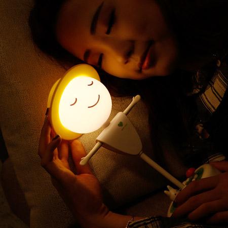 稻草人桌面触碰夜灯